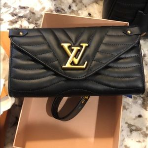 Louis Vuitton new wave wallet